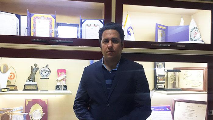 اشکان مزدگیر مدیر توسعه محصولات و خدمات شرکت فناوری بنیاختههای رویان
